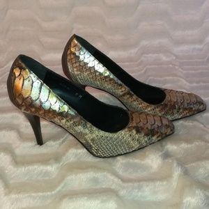 Donald J. Pliner Shoes - Donald J Pliner snake skin heels